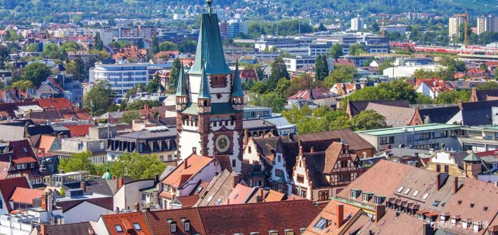 Bu görsel boş bir alt niteliğe sahip; dosya adı Freiburg-sehri-1024x484.jpg